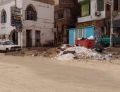 تراكم القمامة والمخلفات بجوار مبني مديرية التربية والتعليم فى سوهاج