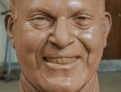 تمثال الدكتور مجدى يعقوب
