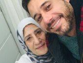 احمد السعدنى ووالدته