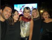 نجوم الفن والإعلام يحتفلون بعيد ميلاد الفنانة نيللى كريم