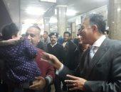 هشام عرفات فى جولة مفاجئة بمحطات المترو ومحطة مصر