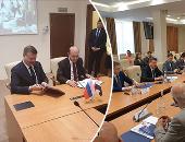 الفريق مهاب مميش خلال زيارة موسكو