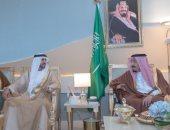 الملك سلمان يستقبل ولى عهد دبى والأمير محمد بن سلمان