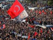 """الأتراك يحتفلون بهزيمة مرشح """"أردوغان"""""""