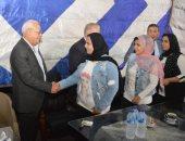 محافظ بورسعيد يشارك نزلاء دار الفتيات القاصرات