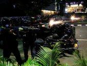 الشرطة الإندونيسية تواجه المظاهرات