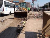 رفع أكوام القمامة بشوارع شبين القناطر