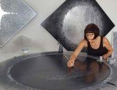 أعمال فنية مبهرة تكرم جهود عالمات فلك