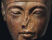 تمثال لرأس توت عنخ آمون