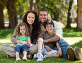 أب مع أولاده وزوجته