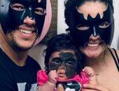 طفله  تولد بعلامه باتمان