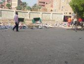 مقلب للقمامة أمام إحدى المدارس