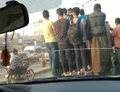 طلاب المدارس يستقلون سيارات غير آدمية فى الذهاب للمدرسة