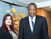 السفير محمدو لبرنج سفير دولة الكاميرون بالقاهرة مع الإعلامية تغريد حسين
