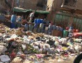 القمامة تحاصر ميدان المحجوب