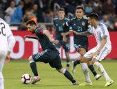 جانب من مباراة الأرجنتين وأوروجواي
