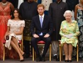 الملكة اليزابيث والامير هاري وزوجته ميجان ماركل