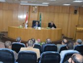 محافظ المنيا يناقش أعمال تنفيذ مبادرة حياة كريمة بـ6 قري