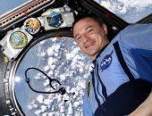 رائد ناسا مع سماعة الأطباء من الفضاء
