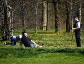 الشرطة البريطانية تطارد ممارسى الرياضة بحدائق كينسينجتون