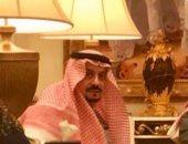 الصورة المتداولة لأمير الرياض من منزله ويظهر بصحة وعافية