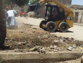 رفع 18 طن مخلفات صلبة وقمامة بالقرى بحملات نظافة بالزينية