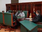 حمدوك يجتمع وفريق الوساطة الجنوب سودانية الراعية لمفاوضات السلام