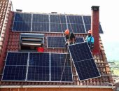 محطات الطاقة الشمسية تغطى أسطح المنازل