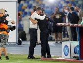 مالديني يحتضن جاتوزو قبل المباراة