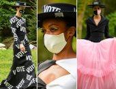 """ملابس وإكسسوارات مطبوع عليها كلمة """"تصويت"""""""