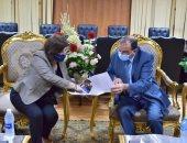 رئيس جامعة بنى سويف ودينا جوهرى