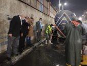 أعمال رفع مياه الأمطار من الشوارع