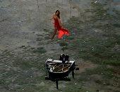 العزف على البيانو والرقص في الهواء