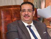 الدكتور أحمد زكى رئيس جامعة قناة السويس