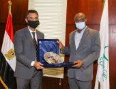 الدكتور شريف فاروق ووزير الاتصالات والاقتصاد فى نيجيريا