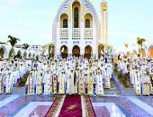 البابا تواضروس وأعضاء بالمجمع المقدس