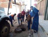 صيانة خطوط الصرف وإصلاح هبوط أرضى خلال حملات على 3 مدن بكفر الشيخ.. صور
