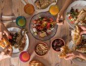 مائدة طعام
