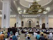 المصلون بالسعودية يؤدون صلاة آخر جمعة فى رمضان