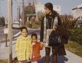 كامالا هاريس مع والدتها وشقيقتها مايا