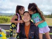 زوجة مؤسس فيس بوك وأبنتيه