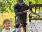 ذا روك مع بناته