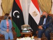 وزير الخارحية مع نظيرته الليبية