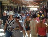 إقبال سياحى كبير من الأفواج السياحية على معبد الملكة حتشبسوت غرب الأقصر