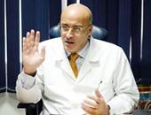 د محمد شعلان أستاذ جراحة الأورام بالمعهد القومى للأورام