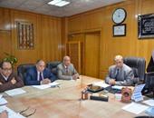 اجتماع محافظ الإسماعيلية لمناقشة مشكلات المناطق الصناعية