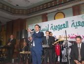 مدحت صالح فى حفل تكريم أمهات العرب