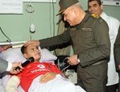 الفريق أول صدقى صبحى القائد العام للقوات المسلحة خلال زيارة المصابين