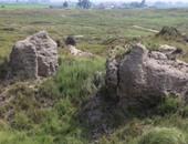 التلال الأثرية بالبحيرة