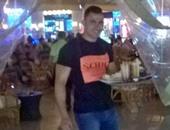 محمود حسين أثناء تقديم طلب